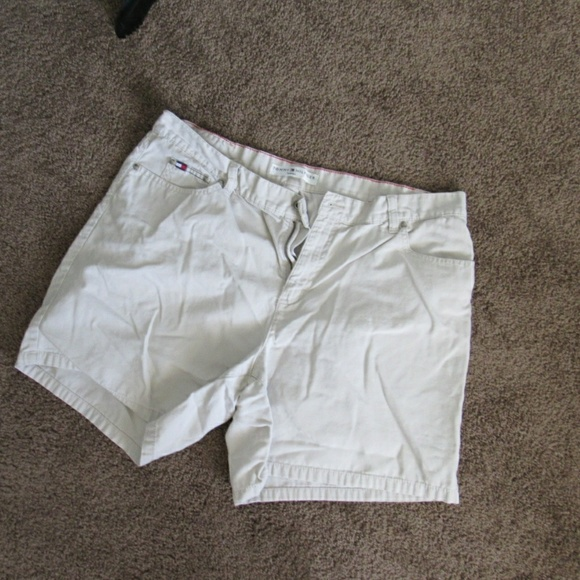 Tommy Hilfiger Pants - Light Tan Tommy Shorts